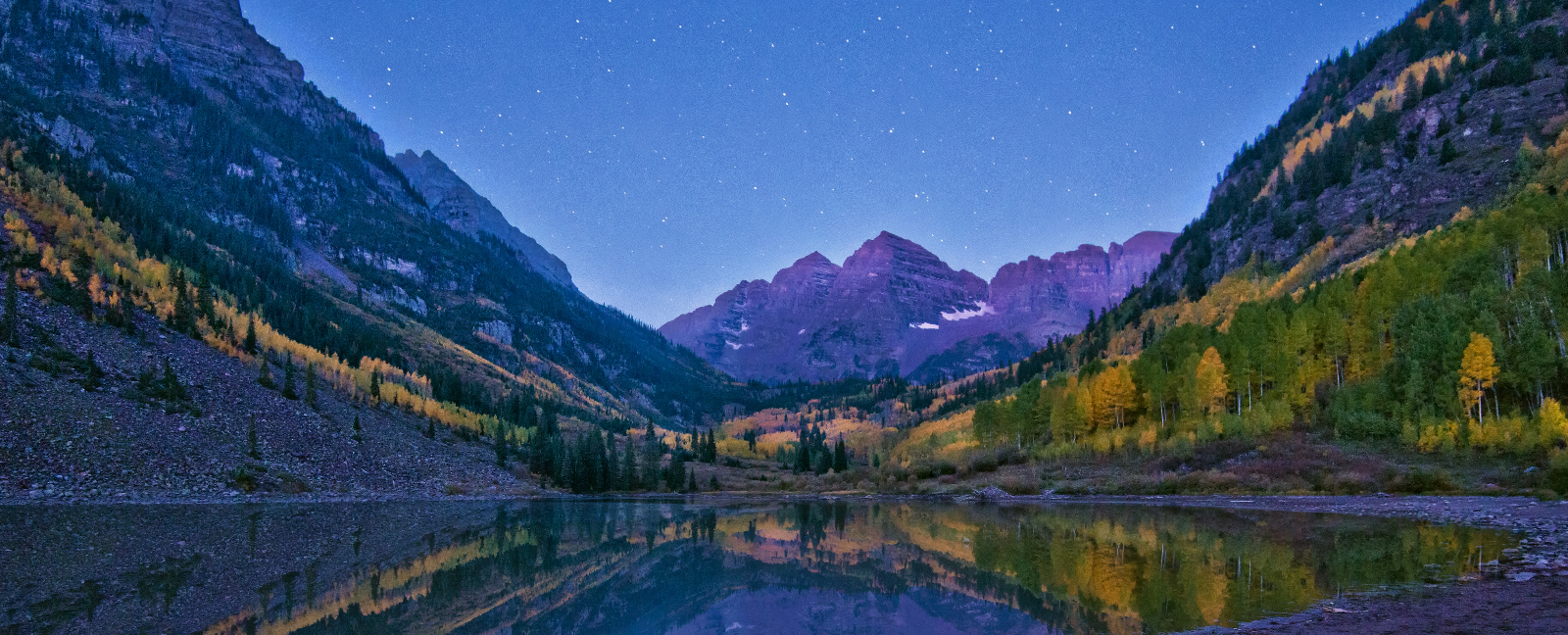 Alpenglow Maroon Bells, Maroon Lake, Colorado